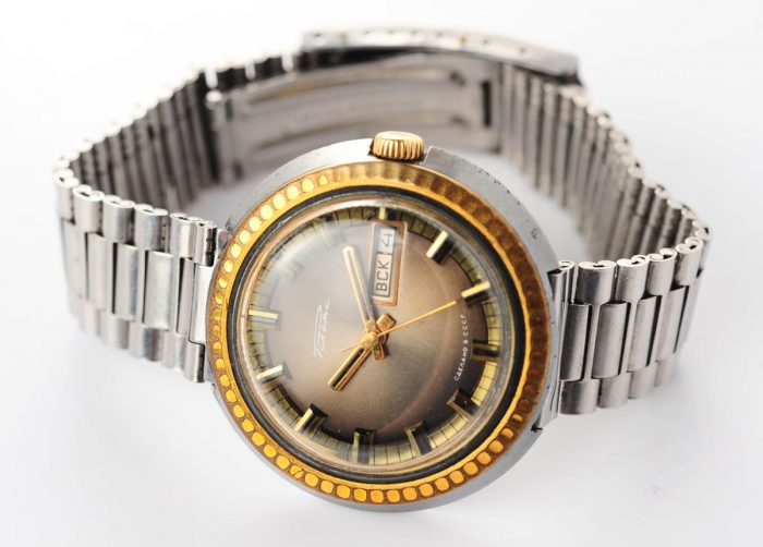 watch Raketa large with bracelet 3137-1160