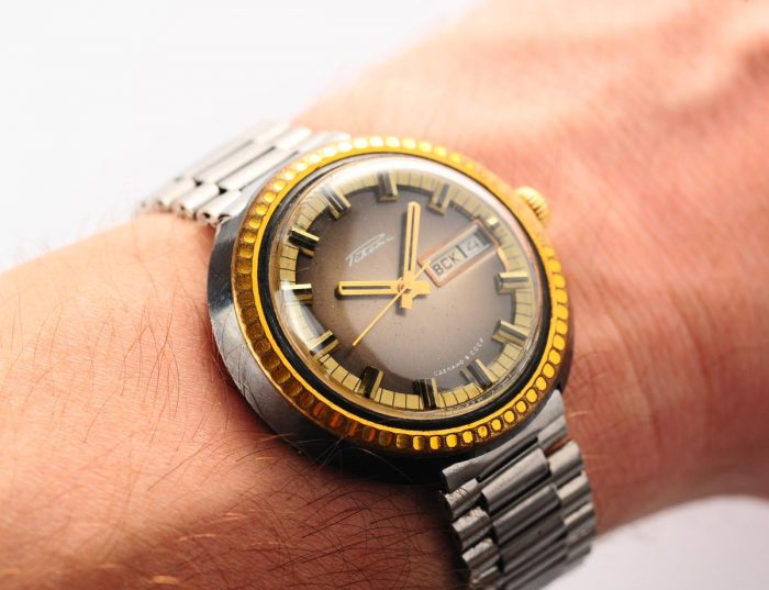 watch Raketa large with bracelet 3137-1169